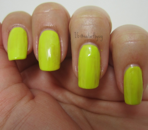 marc-jacobs-nail-polish-yellow