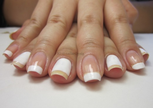negative-space-french-manicure