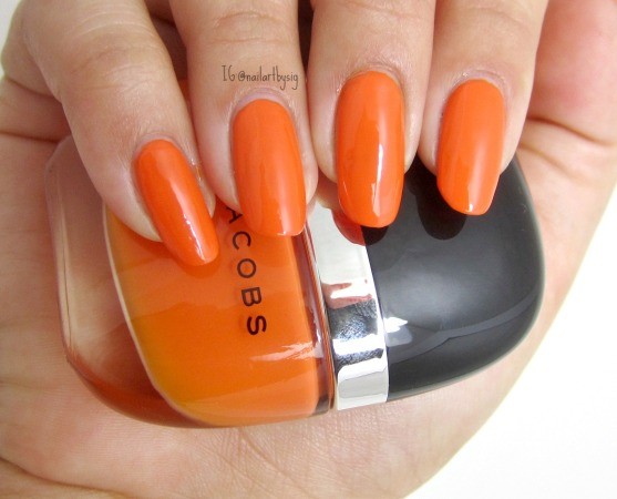marc-jacobs-snap-nail-polish-swatch