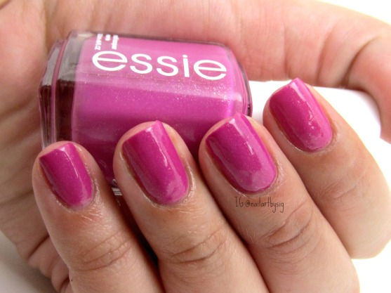 essie-the-girls-are-out
