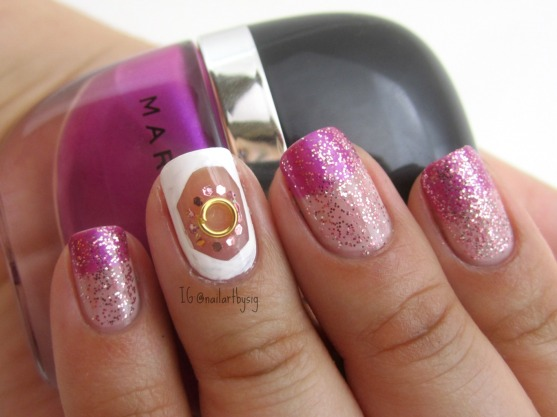gradient-negative-space-nail-art