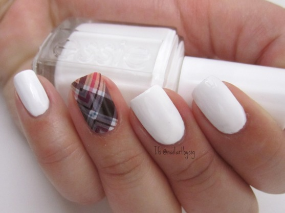 jamberry-nails-poised-plaid