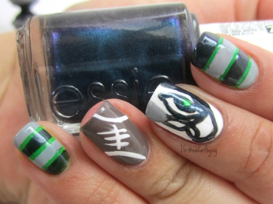seattle-seahawks-nail-art